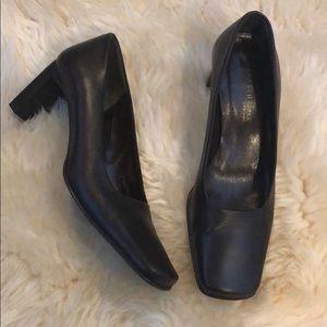 Kenneth Cole dark brown leather heels